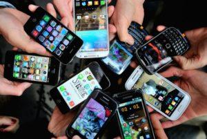 Kecanggihan Teknologi, manfaat ponsel pintarmu, chatting, browsing dan media sosial , keuntungan yang dapat digunakan dengan menggunakan aplikasi pengelolaan keuangan